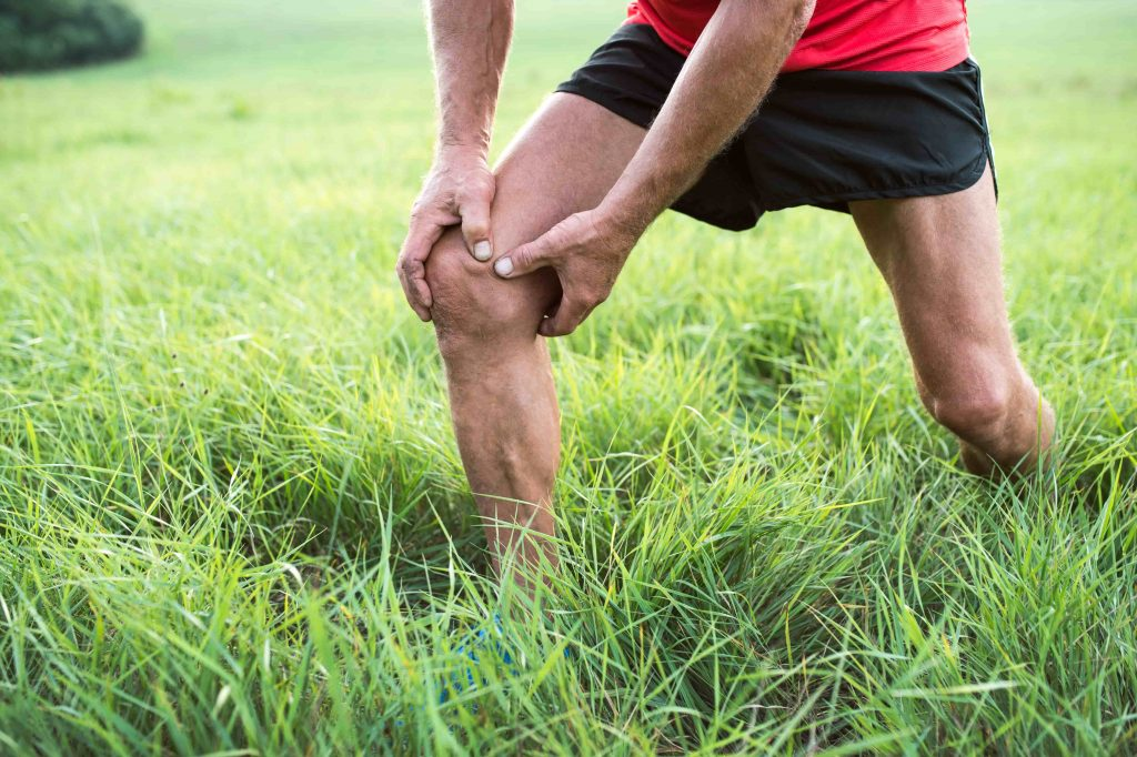 How does knee pain:bad knees occur?